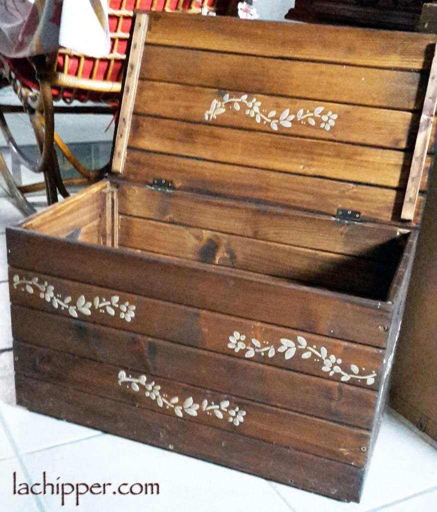 Riciclare e dipingere una cassapanca di legno - Dipingere cucina legno ...