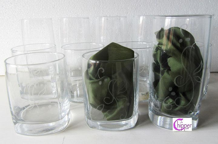 Bicchieri di vetro inciso